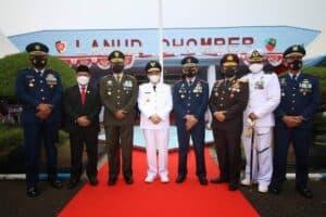 Lanud Dhomber Gelar Upacara pada Peringatan HUT ke-75 TNI AU