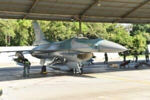 Fighter Lanud Iswahjudi Latihan Pengeboman Air To Ground Di AWR Pandanwangi.