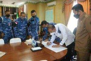 Penandatanganan Pernyataan Bersama Antara Pemkab. Natuna dengan Lanud Raden Sadjad