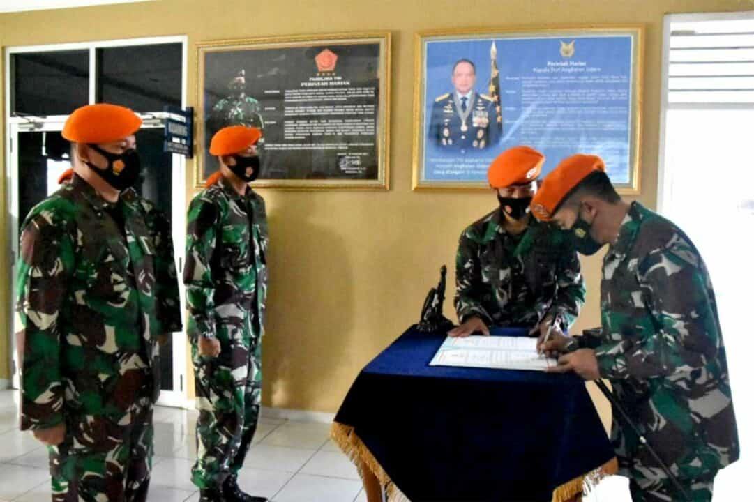 Komandan Wing I Paskhas Pimpin Serah Terima Jabatan Kepala Seksi Operasi Di Mako Wing I Paskhas