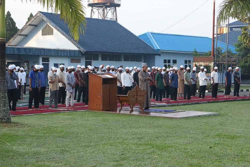 Prajurit Korpaskhas Laksanakan Sholat Idul Fitri 1 Syawal 1442 H/2021 M di Mako Korpaskhas