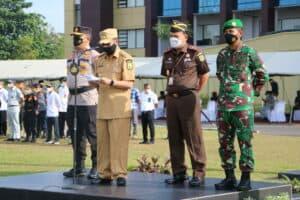 Personel Lanud Rsn mengikuti Apel Gelar Pasukan Operasi Ketupat Lancang Kuning 2021