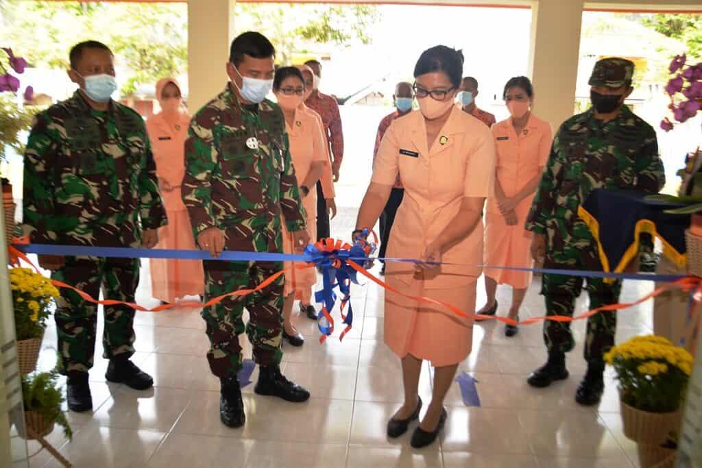 Ketua Cabang Yasarini Lanud Abd Resmikan Beberapa Bangunan Sekolah Angkasa