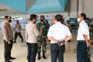 Danlanud Sultan Hasanuddin Tinjau Kesiapan Posko Terpadu Idul Fitri 1442 H di Bandara Internasional Sultan Hasanuddin