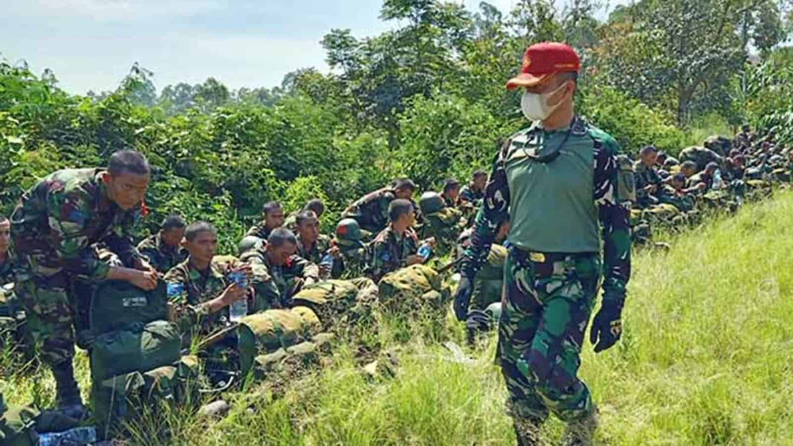 Prajurit Siswa Semata Pk TNI AU A-80 Melaksanakan March Menuju Musuh