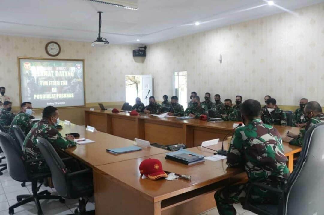 Kunjungan Irops Itjen TNI ke Pusdiklat Paskhas