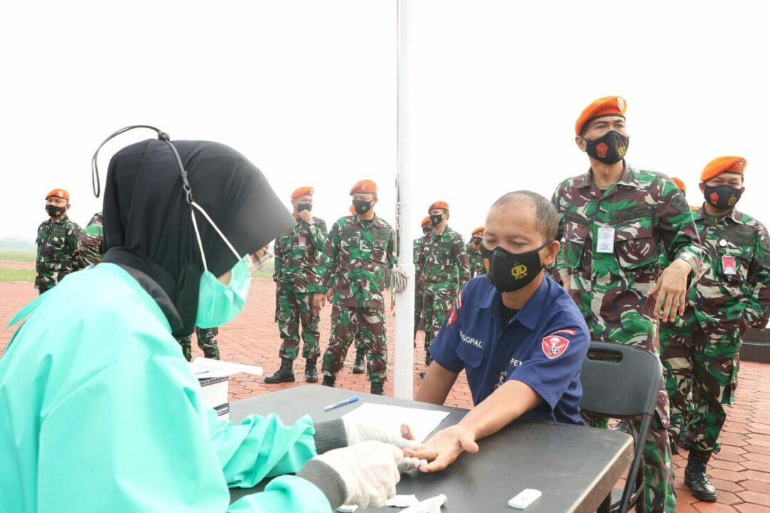 Prajurit Mako Korpaskhas Melaksanakan Rapid Tes Anti Body Covid-19