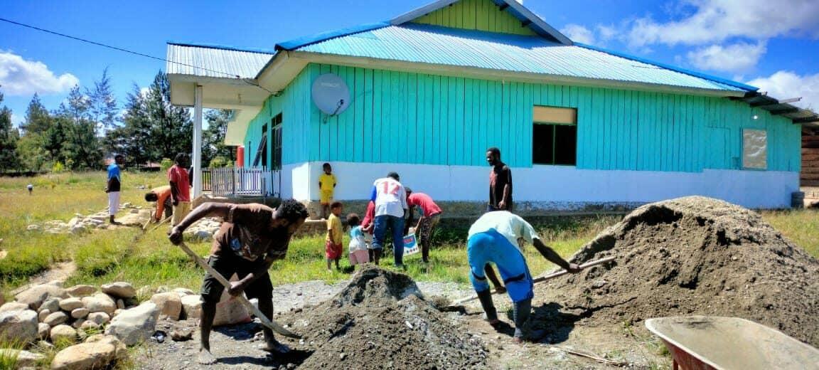 Masyarakat Kampung Holima Jayawijaya Menikmati Rumah Ibadah Hasil Renovasi Lanud Silas Papare