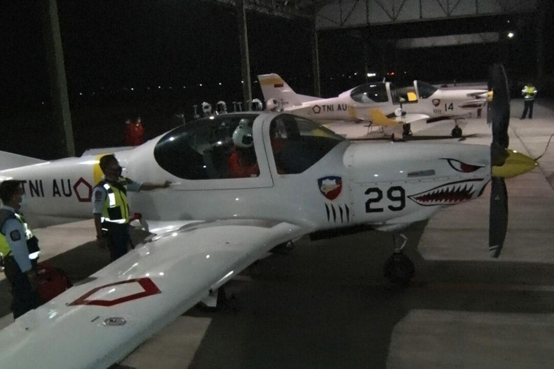 Pembukaan Latihan terbang malam, profisiensi, refreshing Instruktur penerbang dan Konversi mantan SIP A-83/84/RMAF dan siswa sekolah penerbang TNI AU A-99, sekbang TNI A-7 .