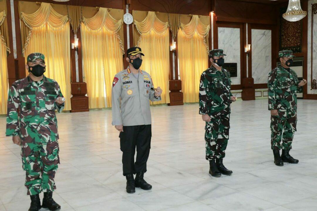 Komandan Lanud Sjamsudin Noor Hadiri Acara Pelantikan Walikota dan Wakil Walikota Banjarmasin di Gedung Maligai Pancasila Banjarmasin
