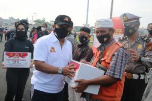 Jelang HUT Bhayangkara ke-75, Danlanud Rsn Ikuti Gowes dan Bakti Sosial