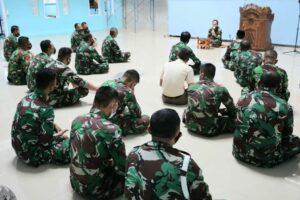 Personel Lanud Dhomber Melaksanakan Sholat Dhuha Guna Meningkatkan Keimanan Dan Ketakwaan