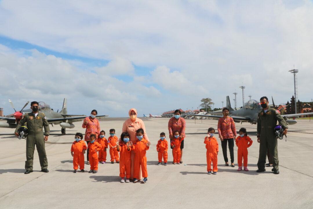Melalui Pesawat Super Tucano, Lanud I Gusti Ngurah Rai Tumbuhkan Minat Dirgantara