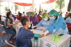 Tim Nakes RSAU dr. Hoediyono Lanud Suryadarma Ikut Bantu Sukseskan Gerakan Serbuan Vaksinasi di Kab. Subang