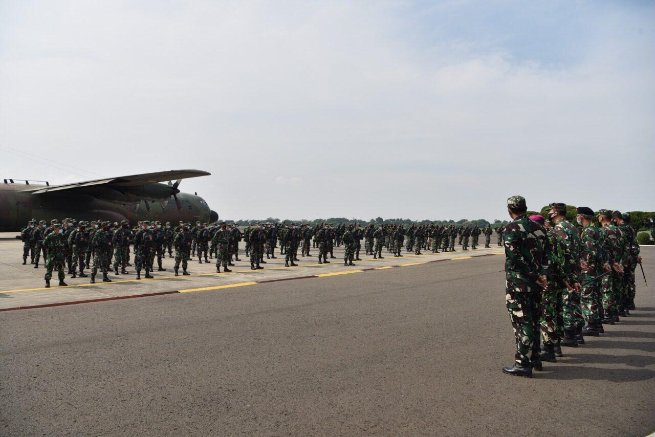 Bantu Penanganan Covid-19, 176 Personel Kesehatan TNI tiba di Lanud Halim Perdanakusuma