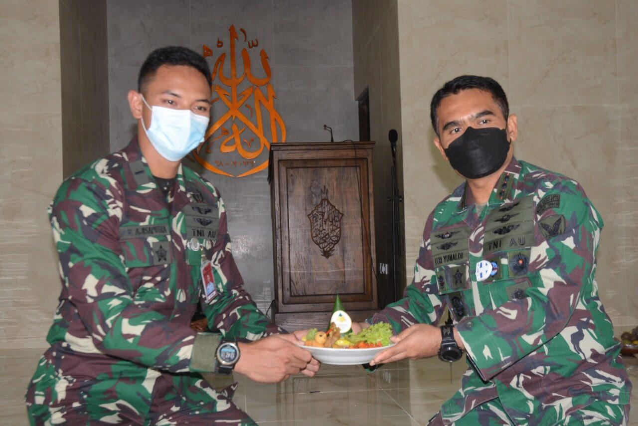 Siswa Sekbang TNI AU-99 dan Sekbang A-7 Laksanakan Latihan Navigasi Jarak Dekat dan Jarak Sedang