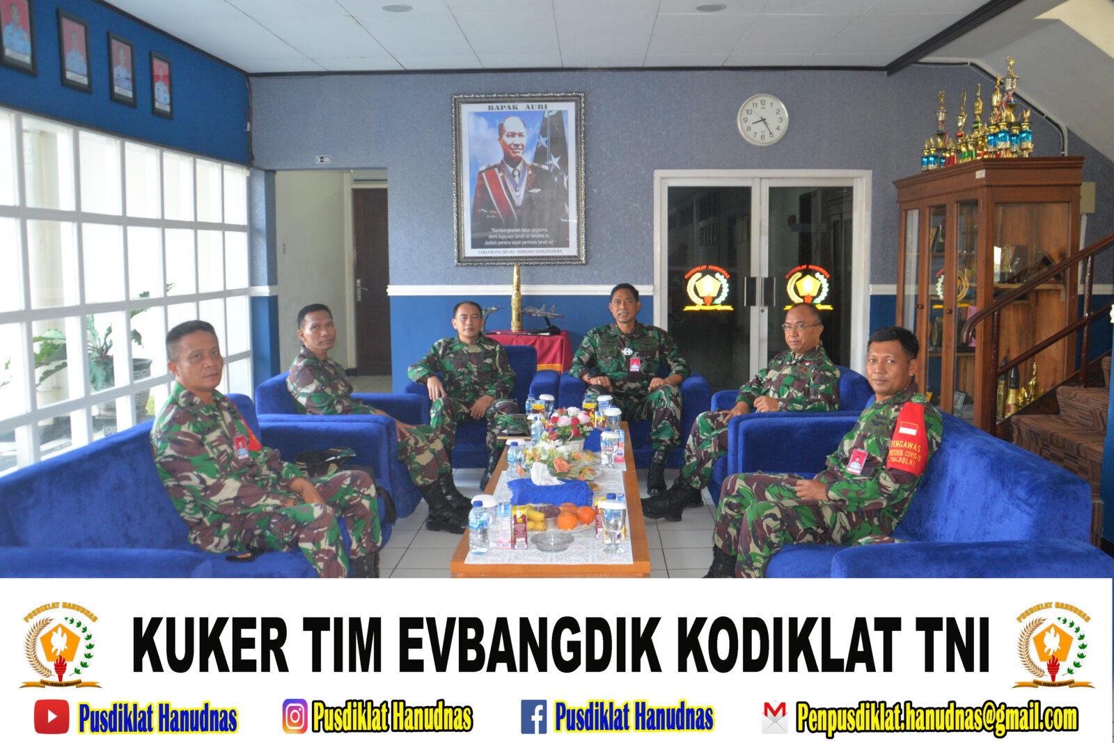 KUKER TIM EVBANGDIK KODIKLAT TNI DI PUSDIKLAT HANUDNAS SURABAYA