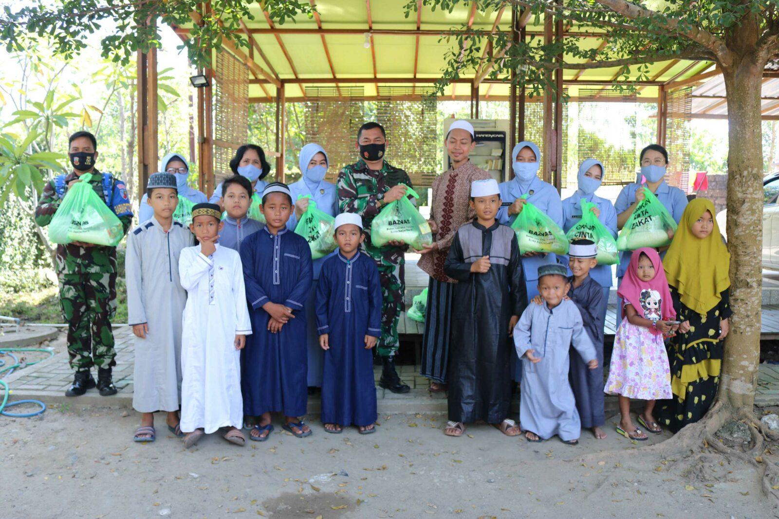 Berbagi dan Saling Peduli Antar Sesama , PIA AG Cab.11/D.II Lanud Sjamsudin Noor Anjangsana Ke Rumah Anak Yatim Ar-Rohman Banjarbaru