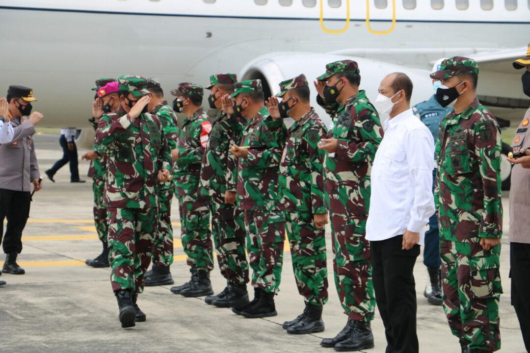 Danlanud Muljono menyambut kedatangan Panglima TNI dan Kapolri