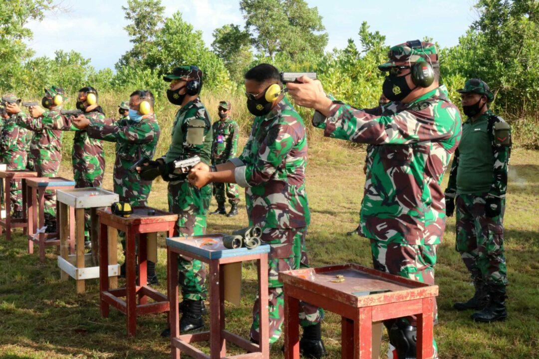 Tingkatkan Kemampuan Prajurit, Pertajam dan Perkuat Skill Lanud Sjamsudin Noor Gelar Latihan Menembak