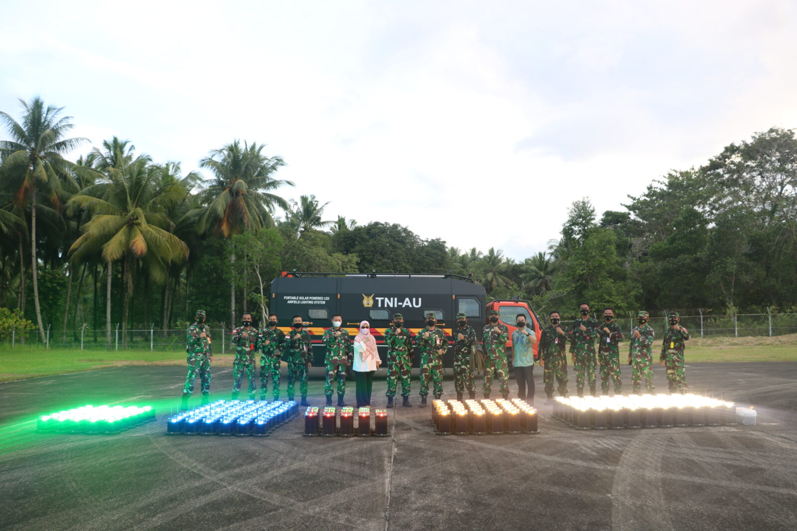 Mengenal Alutsista Baru Milik Lanud Pattimura, Portable Solar Powered Led Airfield Lighting System.