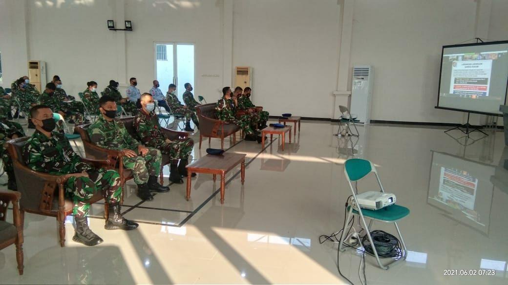 Personel Lanud Muljono mengikuti Ceramah Hukum, Pom dan Psikologi