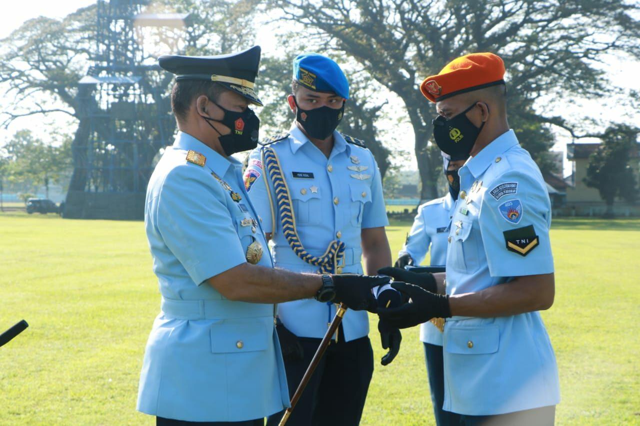 Dankodiklatau Tutup Pendidikan Setukba TNI AU A-38