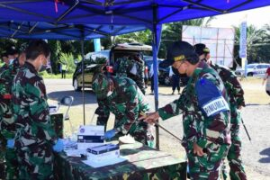 Pangkoopsau I berikan Bantuan Sosial di Hari Ulang Tahun Koopsau ke-70 usai Latihan Jalak Sakti dan Hardha Marutha I di Tanjung Pandan