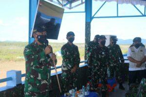 TNI AU Berbagi Sembako Dengan Masyarakat Tanjung Pandan