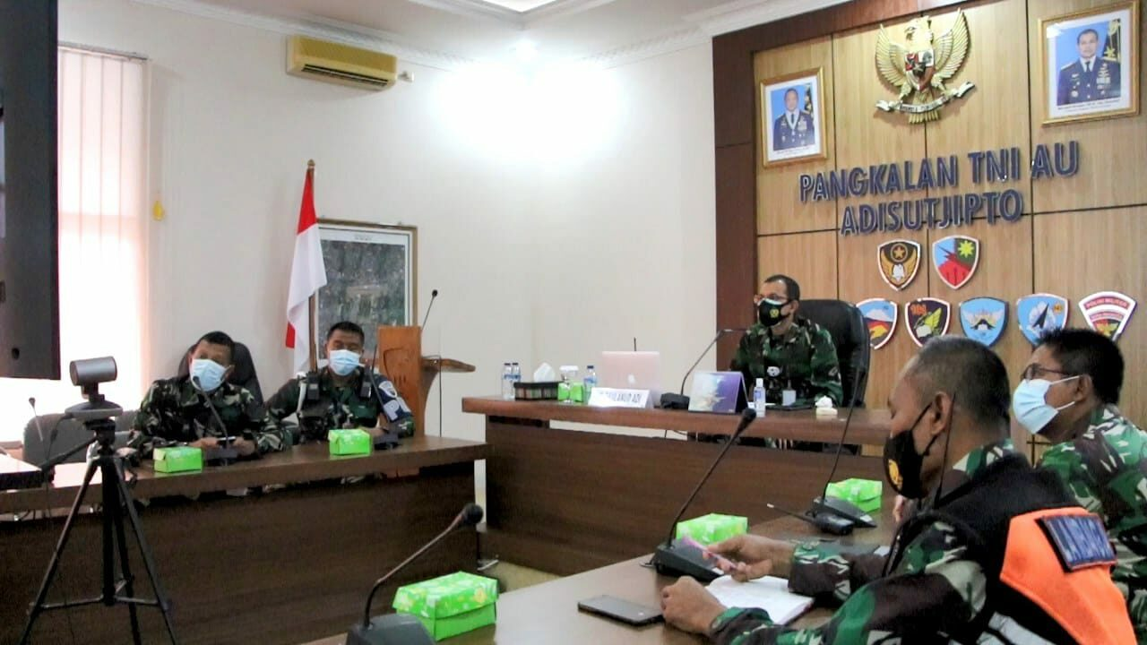 Danlanud Adisutjipto ikuti Vicon Pengarahan Panglima TNI tentang Evaluasi Pelaksanaan PPKM Skala Mikro.