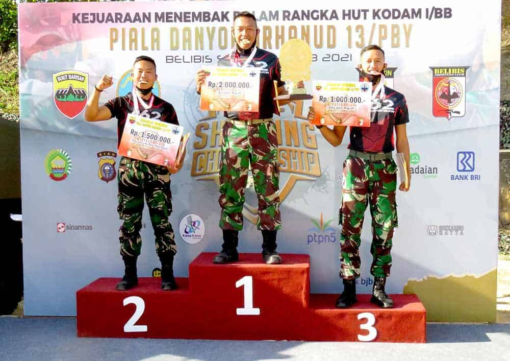 Petembak Yonko 462 Paskhas Sapu Bersih Piala Pada Kejuaraan Menembak Danyon Arhanud 13/PBY Pekanbaru