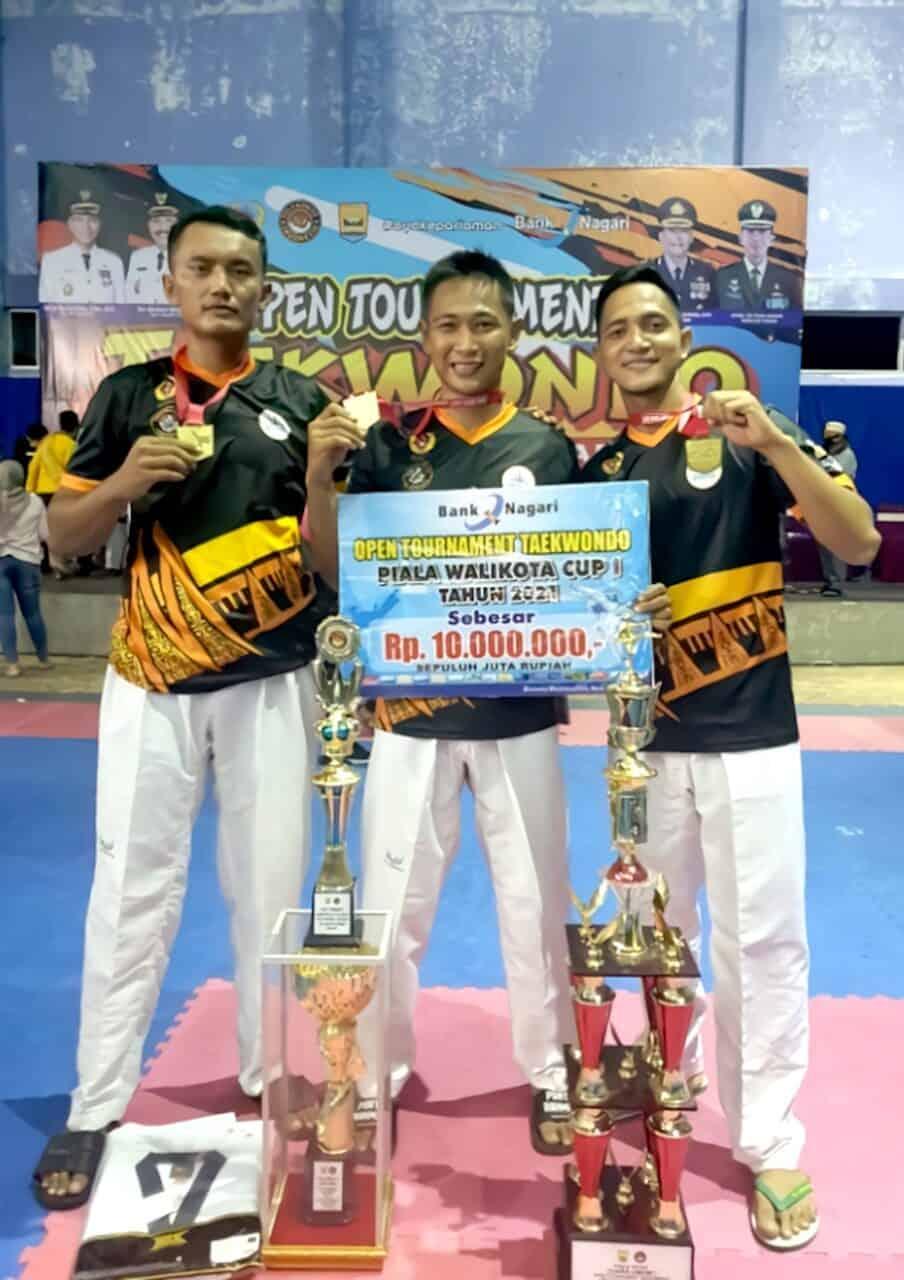 12. Paskhas sabet juara Taekwondo