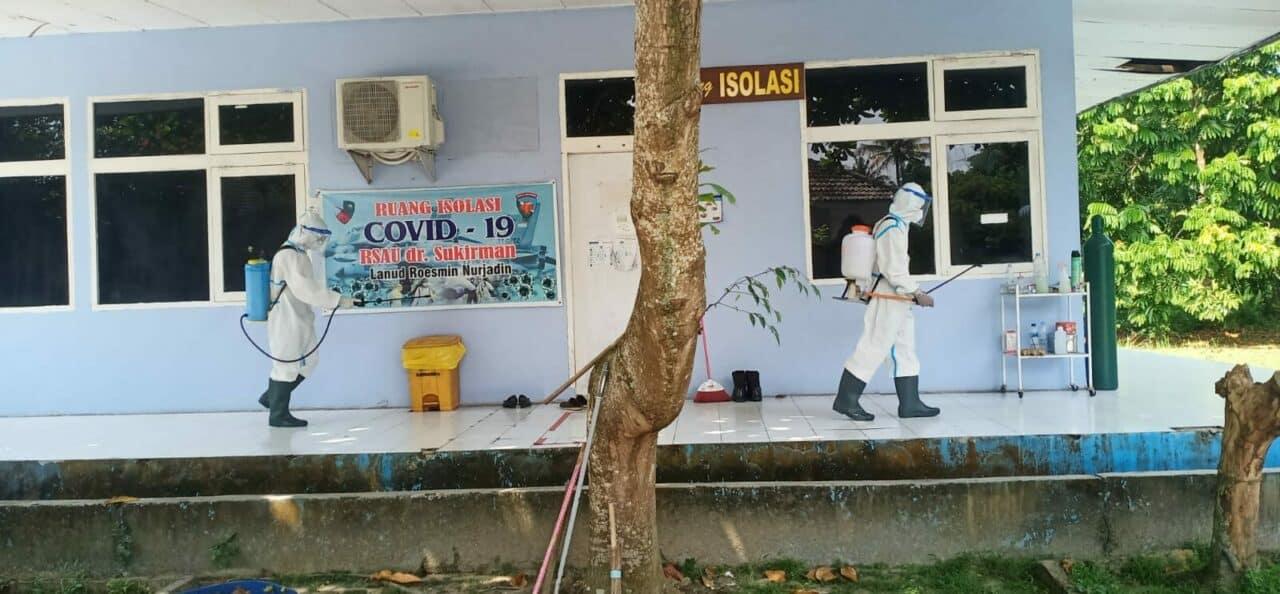 27. RSAU dr. Sukirman Lakukan Penyemprotan Disinfektan 3