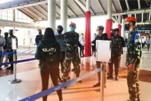 Peran Serta Prajurit Yonko 467 Paskhas Dalam Program Serbuan Vaksinasi Nasional Covid-19 di Bandara Seokarno – Hatta
