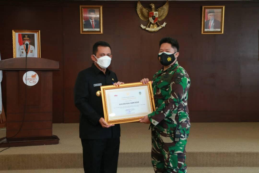 Lanud Hang Nadim Terima Piagam Penghargaan Dari Gubernur Kepri