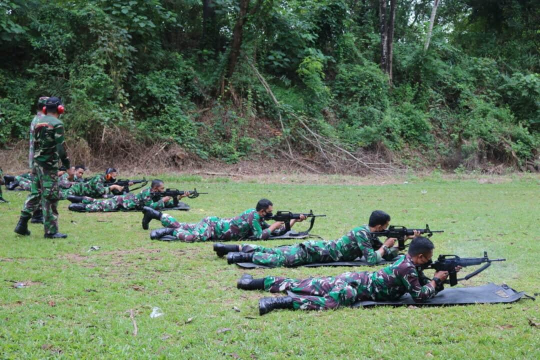Aksi Prajurit Kosekhanudnas II Makassar Latihan Menembak