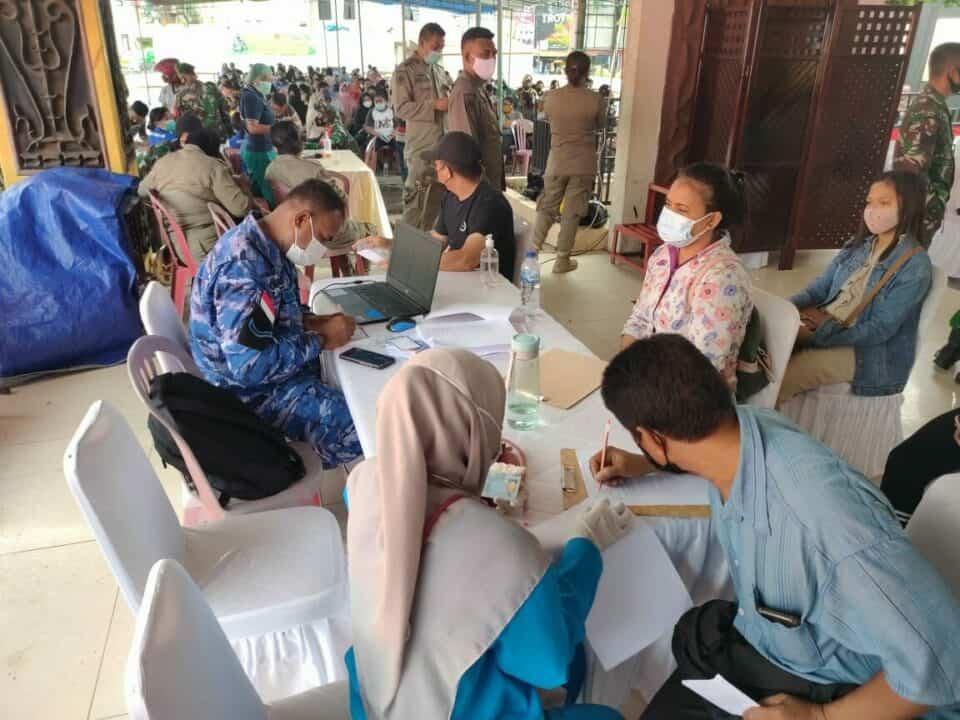 Lanud Pattimura sudah memasuki hari ke-4 dalam melaksanakan program serbuan vaksinasi nasional Covid-19 di wilayah Ambon.