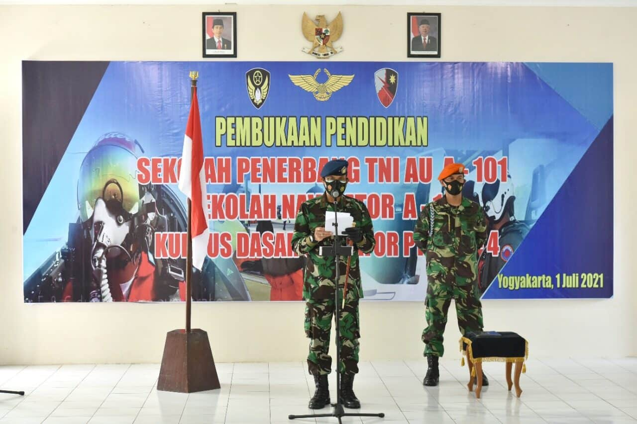 Pendidikan Sekolah Penerbang TNI AU A-101, Sekolah Navigator A-14, dan Kursus Dasar Operator PTTA A-4 resmi dibuka.