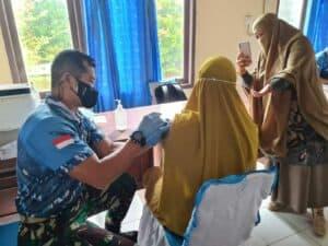Lanud RSA Laksanakan Serbuan Vaksinasi Massal di SMK N 1 Natuna