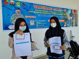 WhatsApp Image 2021 07 17 at 12.35.53Antusias Masyarakat Natuna Ikut Serbuan Vaksin di Bandara Raden Sadjad