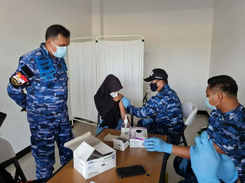 Serbuan Vaksin Covid-19 Hari ke-3 di Bandara Raden Sadjad Terus Berlanjut ke Anak- anak