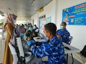 Hari Terakhir, Serbuan Vaksinasi Gratis Serentak Dalam Rangka Peringatan Hari Bakti TNI AU ke-74 di Bandara RSA Natuna
