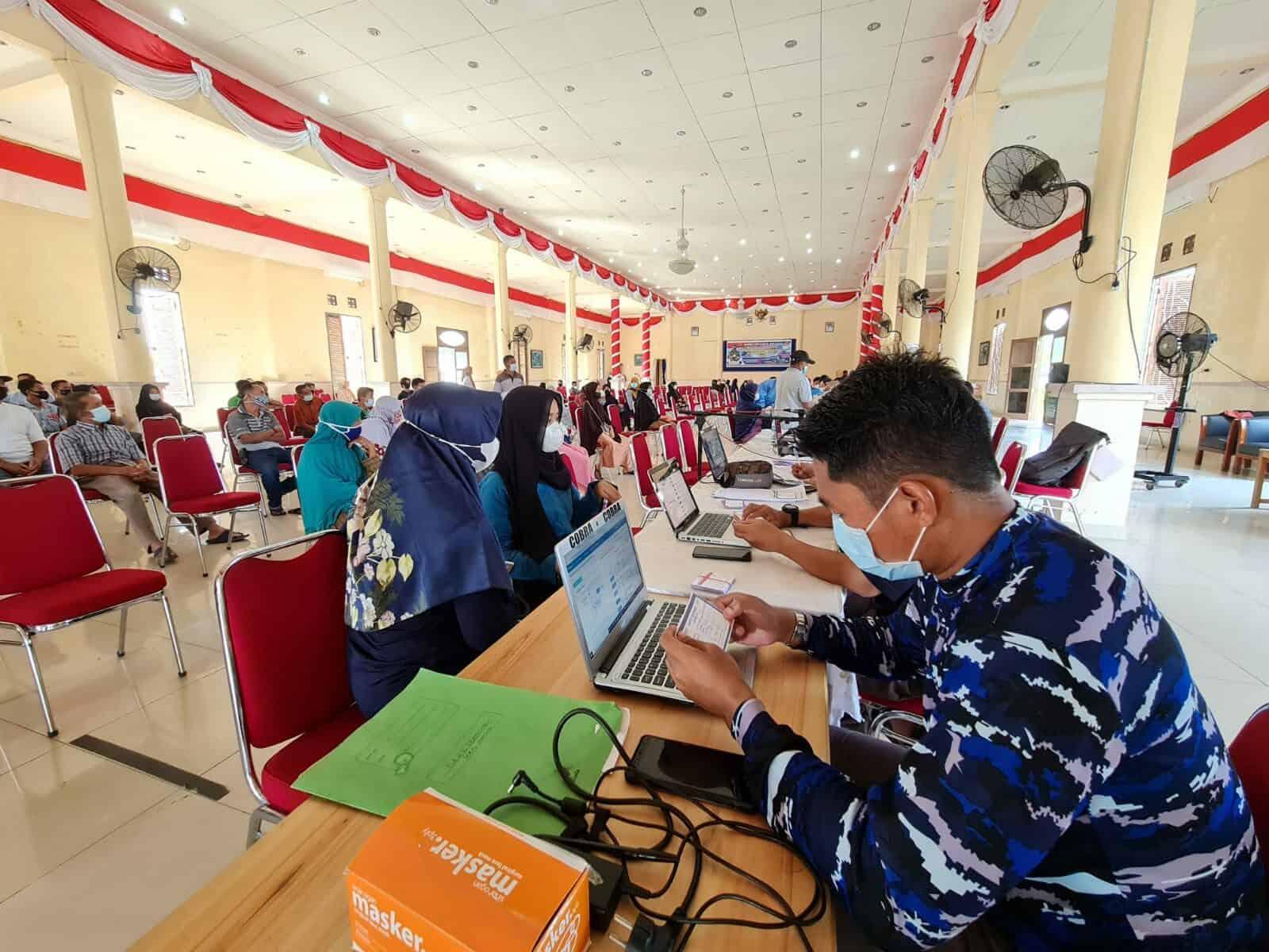 Lanud Raden Sadjad Gelar Serbuan Vaksinasi TNI di 34 Provinsi Secara Serentak