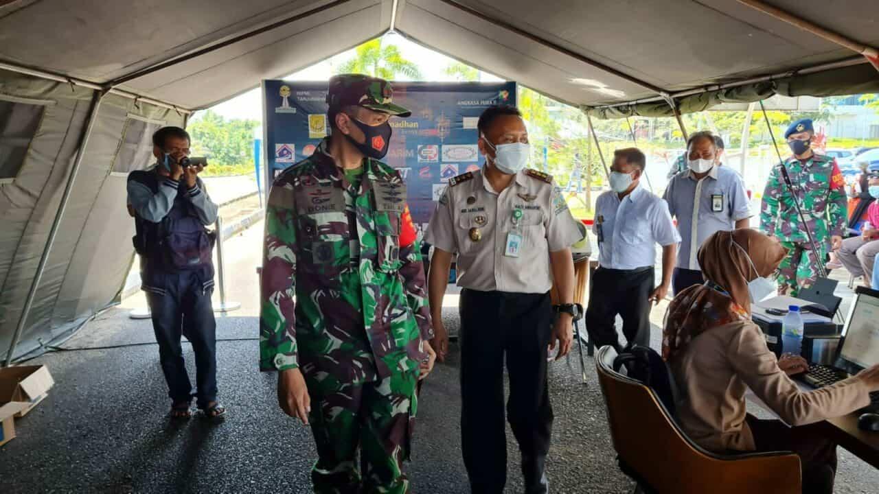 Lanud Raja Haji Fisabilillah Konsisten Memutus Mata Rantai COVID-19 dengan Serbuan Vaksinasi