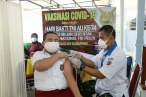 foto Siswa Angkasa Ikuti Vaksinasi