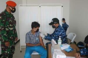 Lanud Raden Sadjad Kembali Gelar Serbuan Vaksinasi Covid 19 di Bandara Raden Sadjad Natuna 3