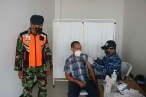 Lanud Raden Sadjad Kembali Gelar Serbuan Vaksinasi Covid 19 di Bandara Raden Sadjad Natuna 4