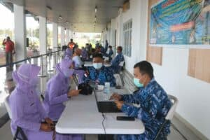Lanud Raden Sadjad Kembali Gelar Serbuan Vaksinasi Covid 19 di Bandara Raden Sadjad Natuna 5