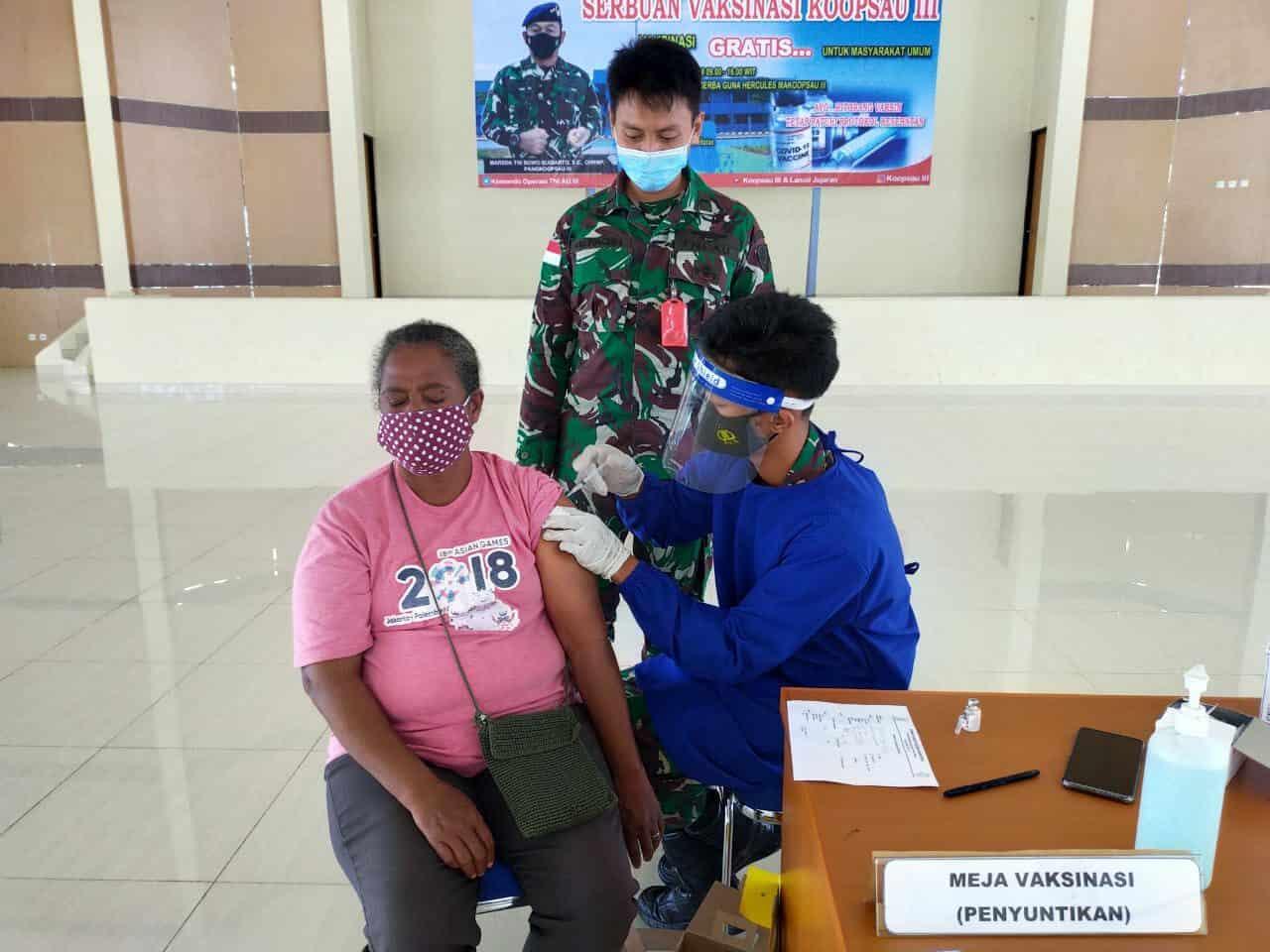 Sebanyak 64 Warga Biak, Jalani Vaksin Tahap Ke-2 di Gedung Hercules