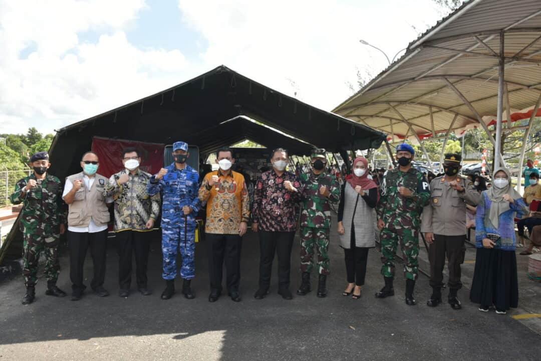 Serbuan Vaksinasi Covid-19 Lanud Raja Haji Fisabilillah dalam Rangka HUT Kepri ke-19 dan Hut TNI ke-76
